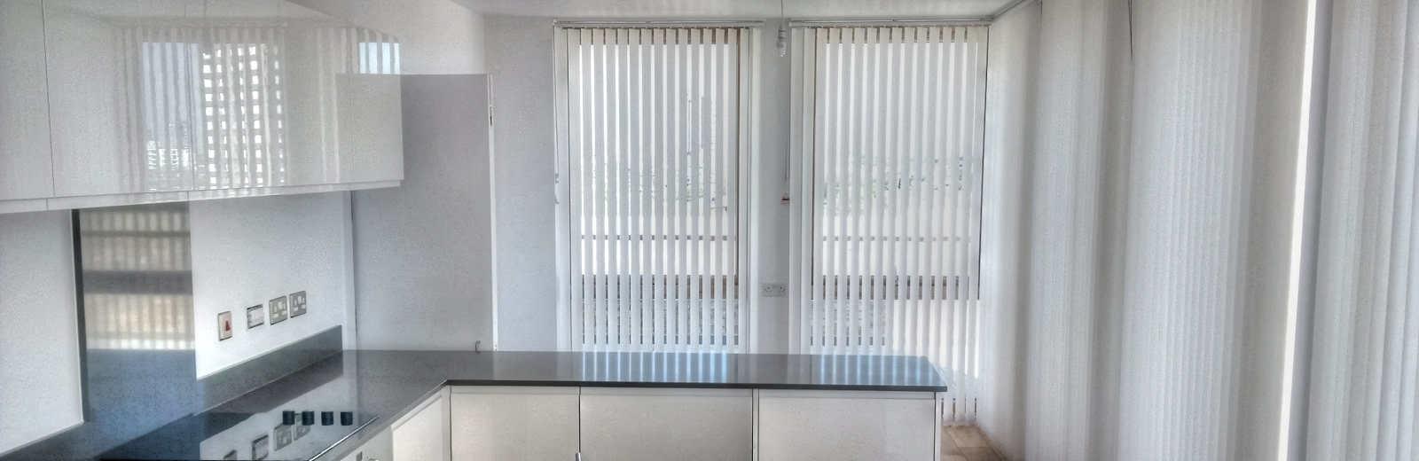 6000 Series Vertical Blinds